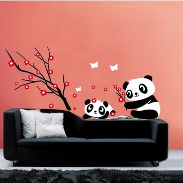 Muursticker Panda's met tak en bloemen